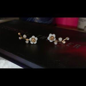 Goldtone Cute Shell Flower earring
